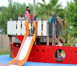 Camping Eskualduna : aire de jeux
