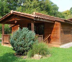 location chalet pays basque : vue extérieur du Chalet Eco Lodge Camping Eskualduna