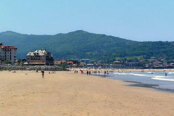 Camping Eskualduna : plage près du camping sur la côte basque