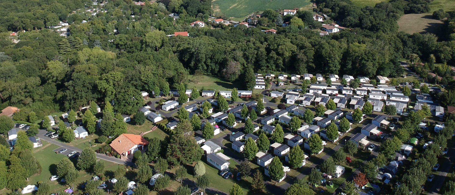 Camping Eskualduna : vue aérienne du camping au pays basque